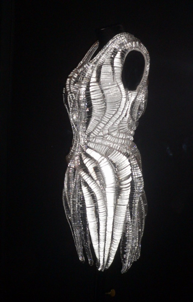 Iris Van Herpen, collection micro couture, PE 2012