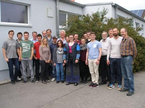 Die Teilnehmer des Vereinsübungsleiterlehrgangs in Herbertshofen am Ende des Lehrgangs mit Dozent Karl Zerle und Gauschützenmeister Hubert gerblinger