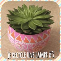 DIY pour décorer une lampe et la transformer en pot de fleur