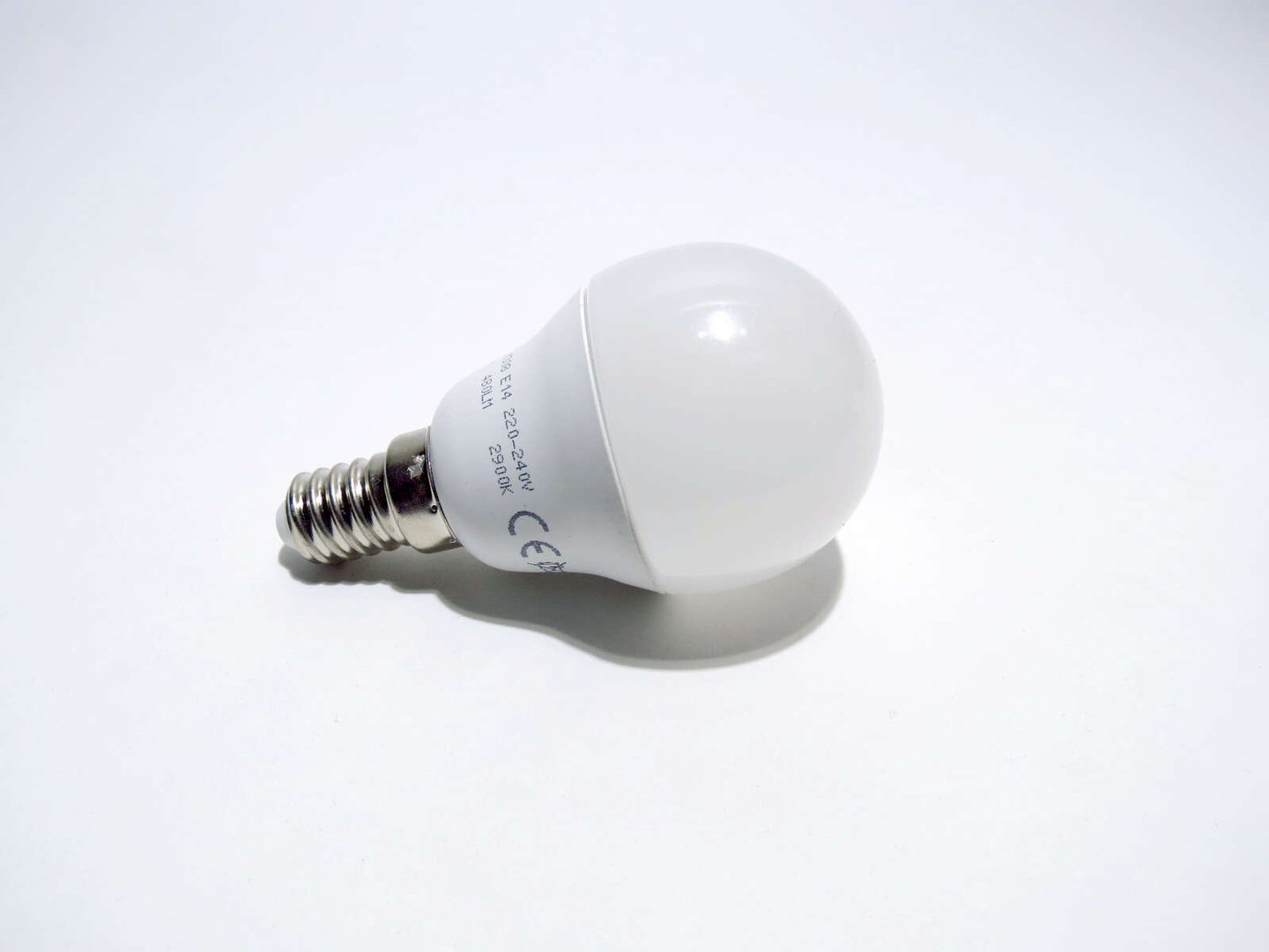 Led Lampen E14 E14 Mini Globe Led 6w 45mm Matt Warmweiß