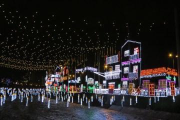 wąż świetlny led neon flex jako wyjątkowa dekoracja świąteczna święta bożego narodzenia