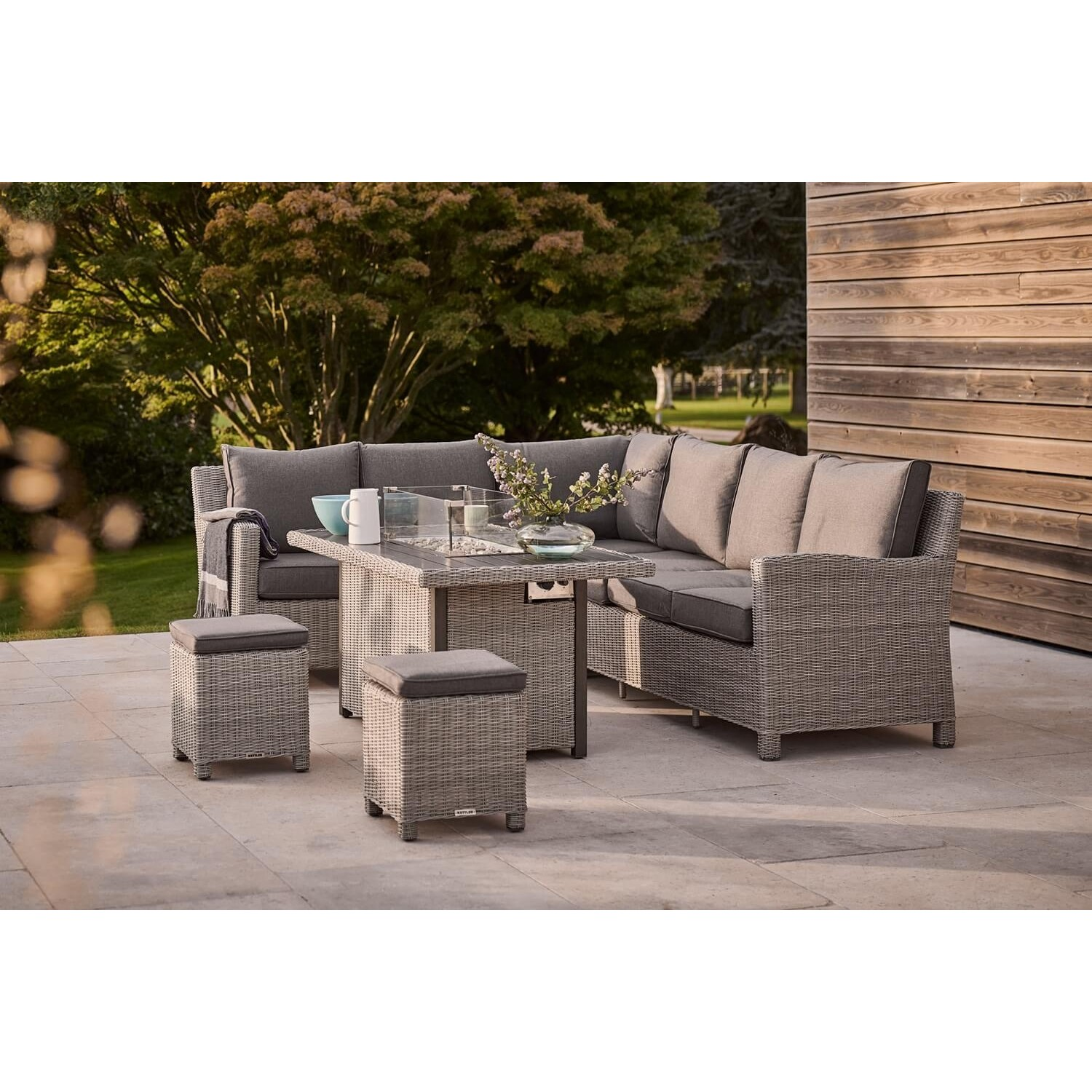 Kettler Palma Right Hand Firepit Corner Set Leekes
