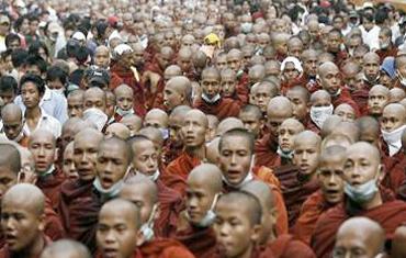 monks_crack2.jpg