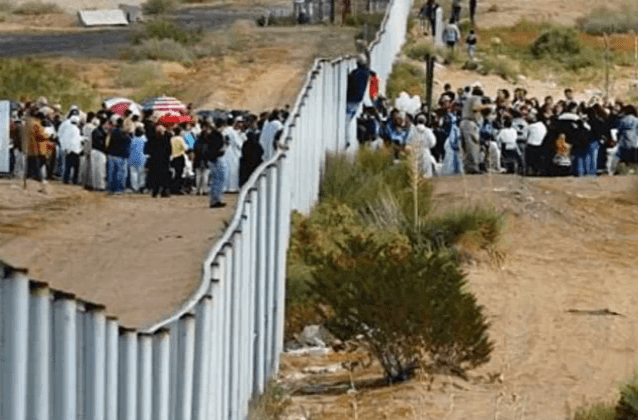 Judicial Watch Illegal Immigrants Pouring Across Border