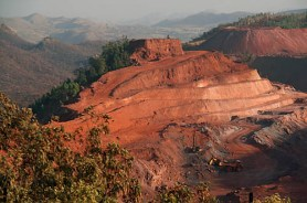 Esempio di miniera di bauxite.