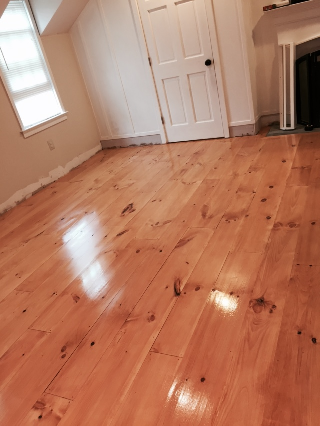 Diy unfinished wide pine floors review lehman lane for Hardwood floors unfinished