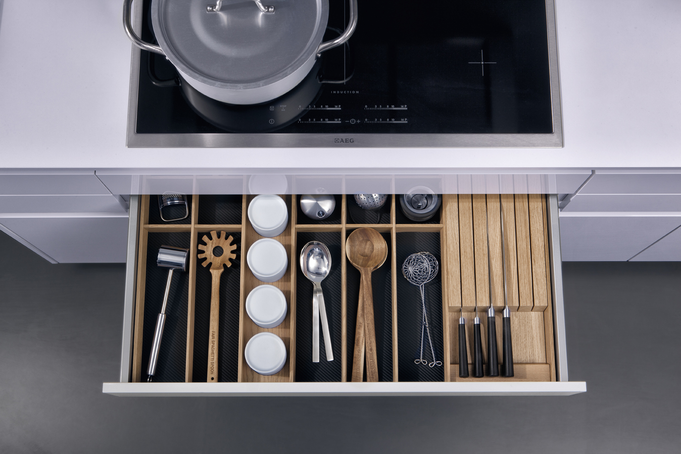 Küchenschubladen Einteilung Contino The New Standard In Handle Less Kitchen Cabinets
