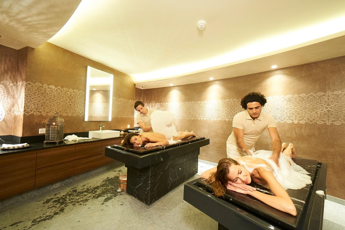 Combiné Spa Sauna Hammam 900sq M Alpine Spa With Storytelling Underwater Music And