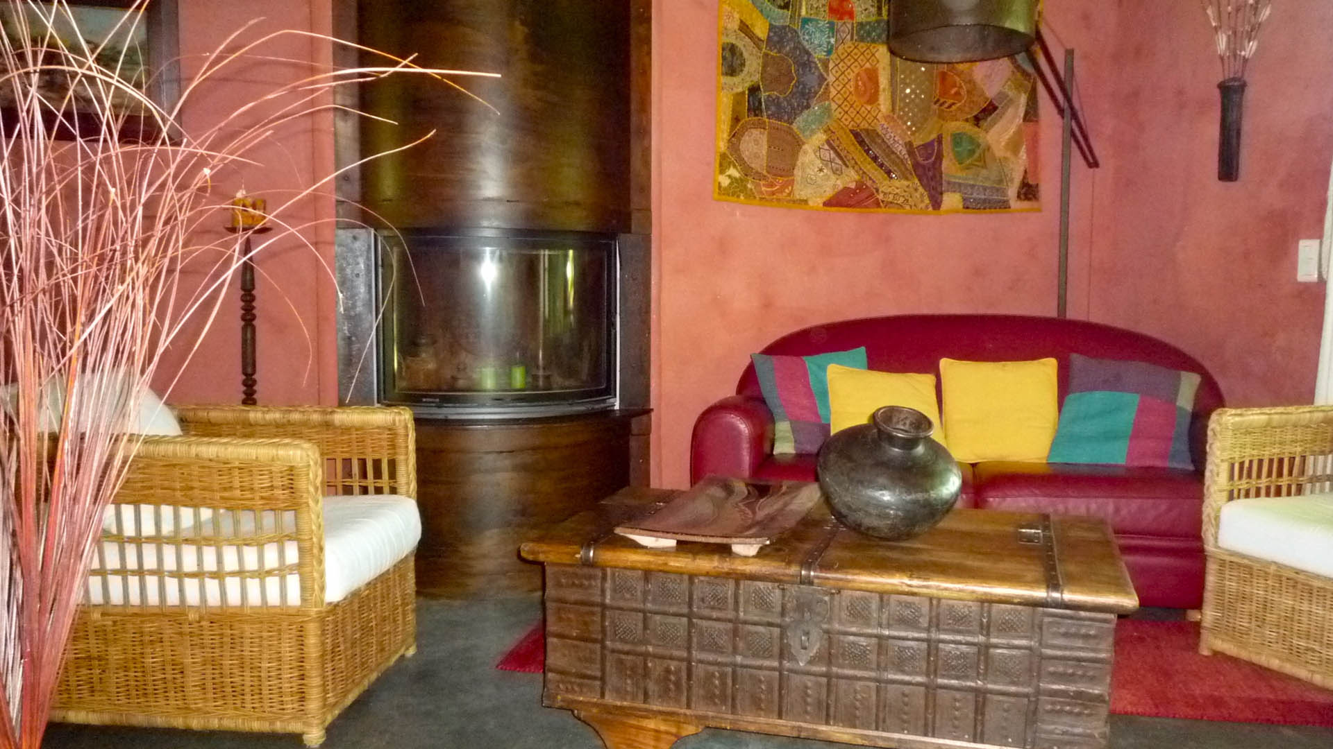 Provence Decoration Cottage Bed And Breakfast In Saint Rémy De Provence France Ochre