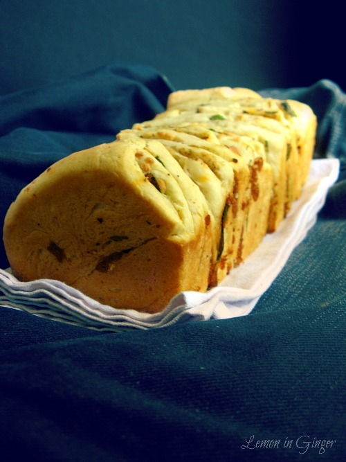 Eggless Fresh Mint Spicy Cheesy Pull-Apart Loaf