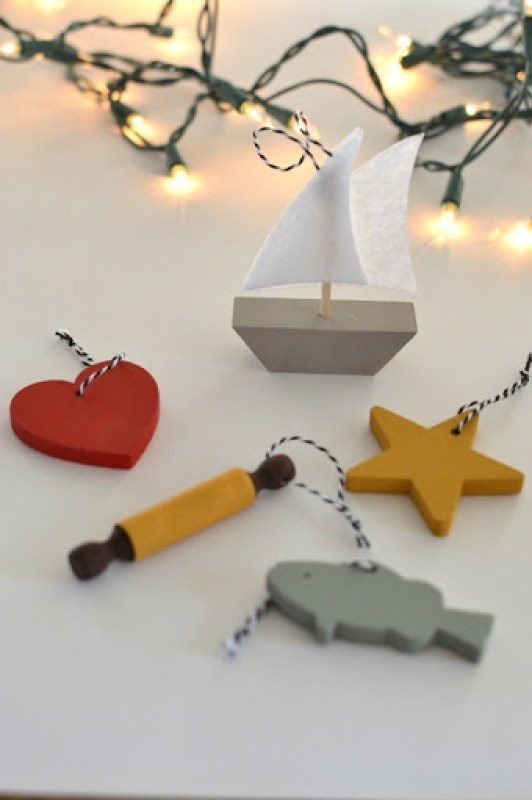 """""""25 Days of Christ"""" Ornaments // a lemon squeezy home"""
