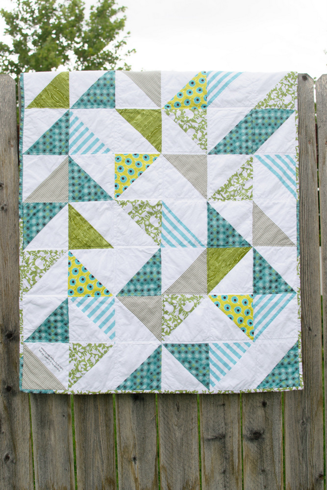 Triangle Baby Quilt // lemon squeezy home