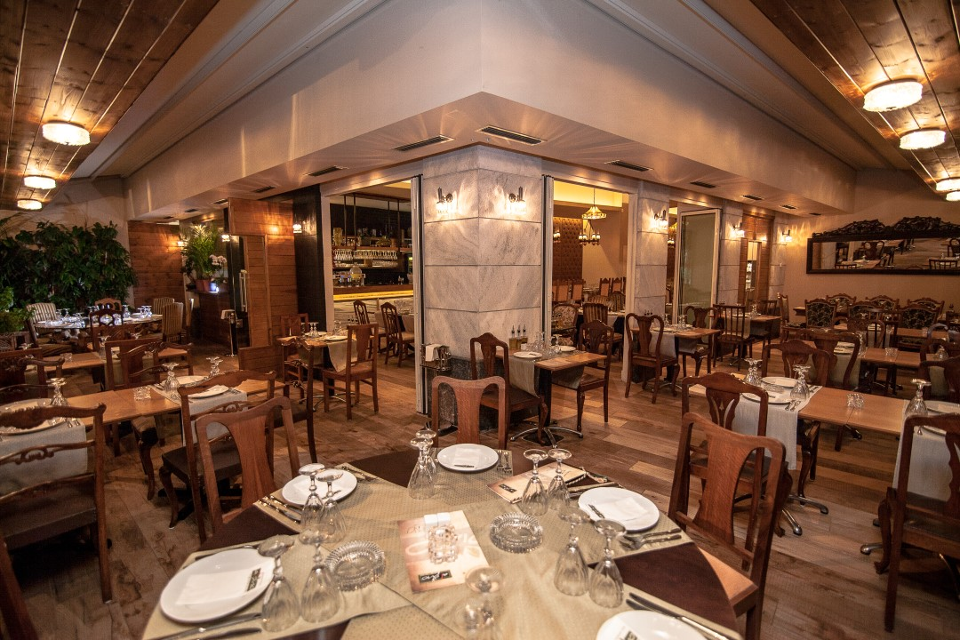Divani Caravel Facebook Italian Food In Athens - Lena's Blackbook