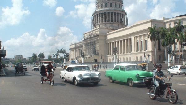 Một khu ở trung tâm Havana. (Ảnh: Phạm Vũ Lửa Hạ)