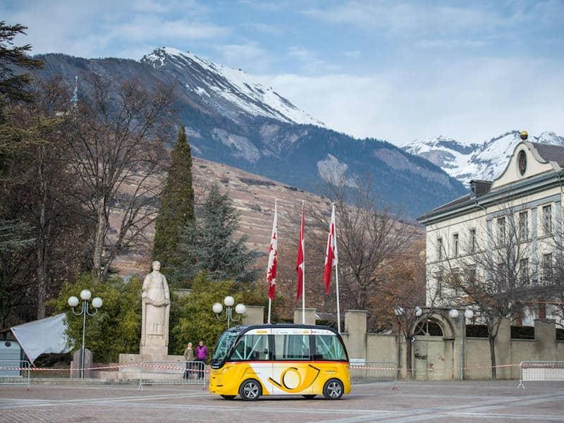 Driverless bus Switzerland Sion_3