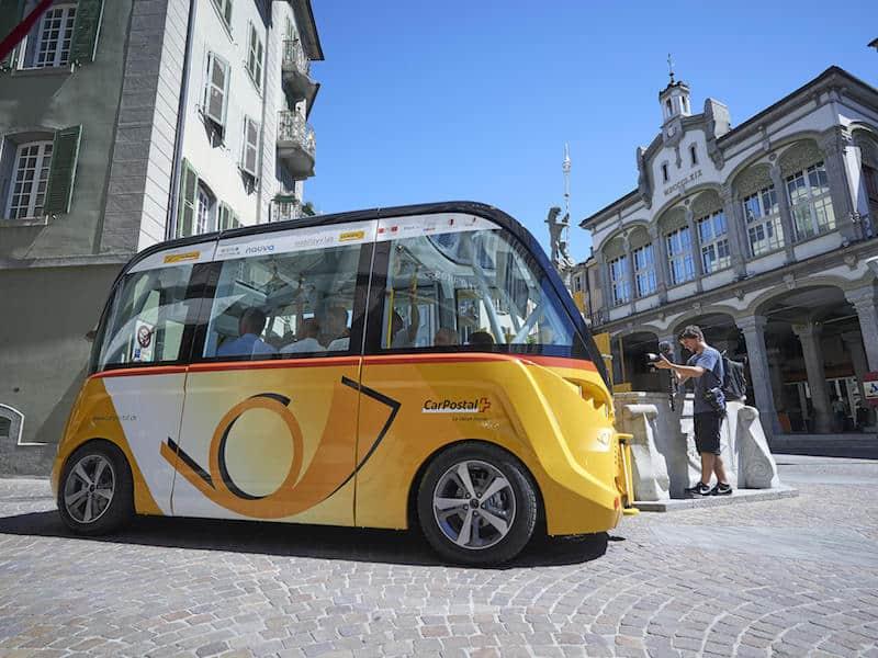 Driverless bus Switzerland Sion_5