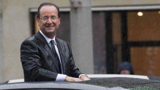 Francois-Hollande-president-de-la-Republique-sous-la-pluie