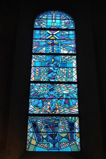 vitrail axial de Jean Cocteau