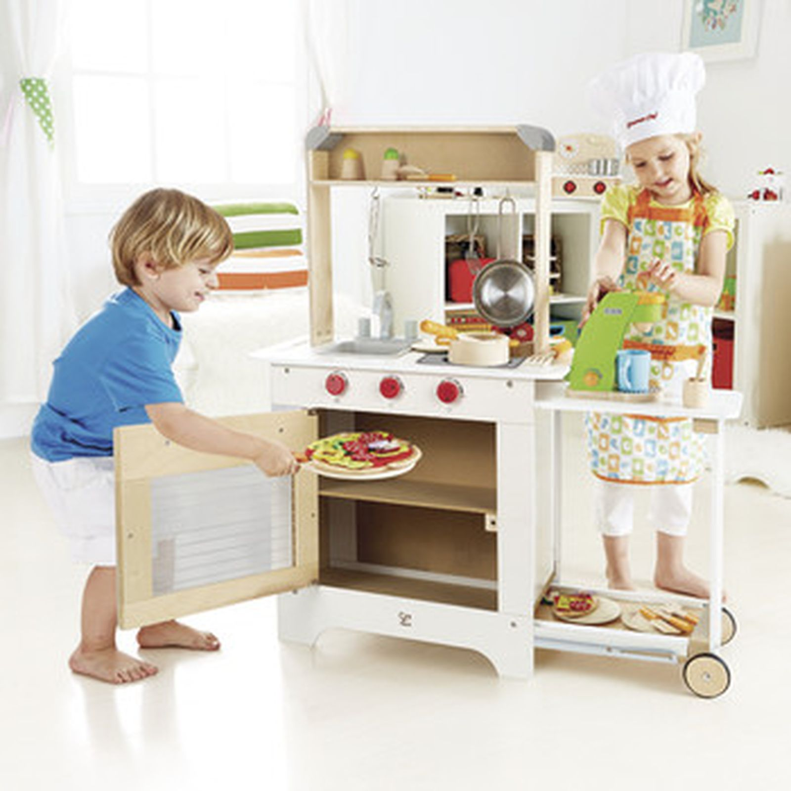 Hape Küche All In One Leo And Bella Hape Cook N Serve With Blackboard Kitchen White