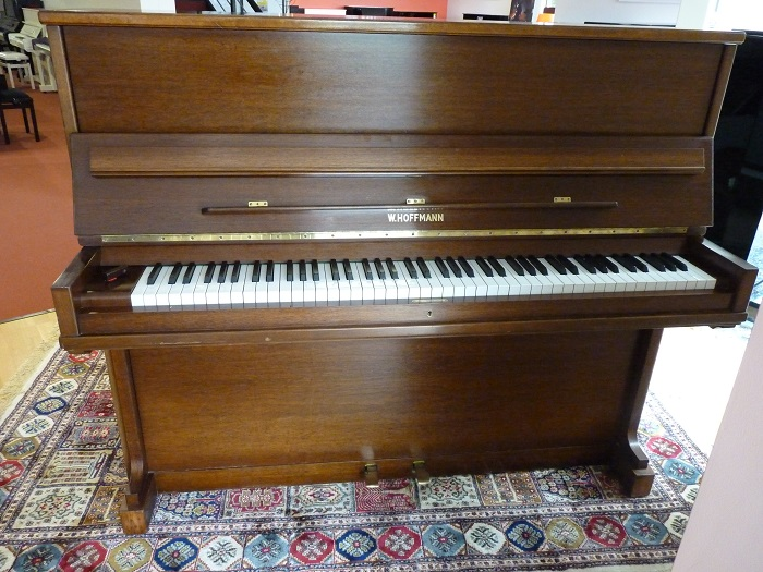 Magasin Meuble Vannes Piano Droit D'occasion W.hoffmann - Le Pianiste