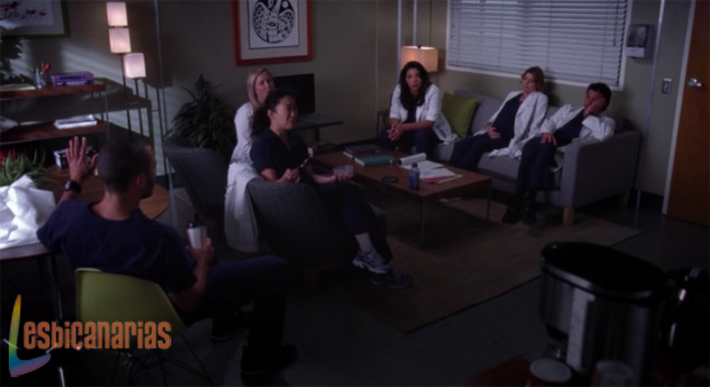 Callie y Arizona en junta