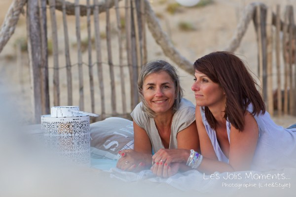 seance-photo-entre-amies-sur-la-plage-22