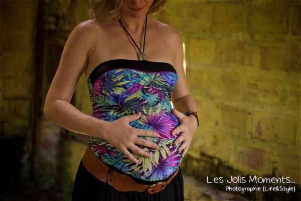 Seance grossesse dans des friches de Martinique 26