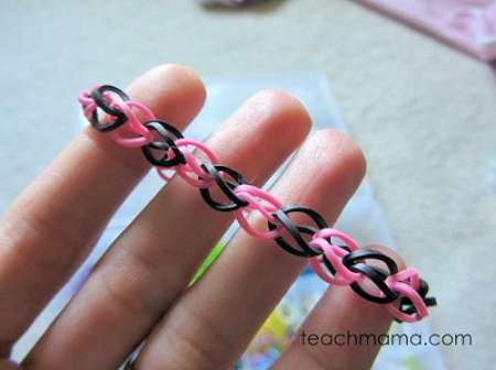 Make Rainbow Loom Bracelets Without the Loom