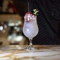 Violette Hill Ένα δροσερό cocktail από τους bartender της Λέσχης Σύμμετρον