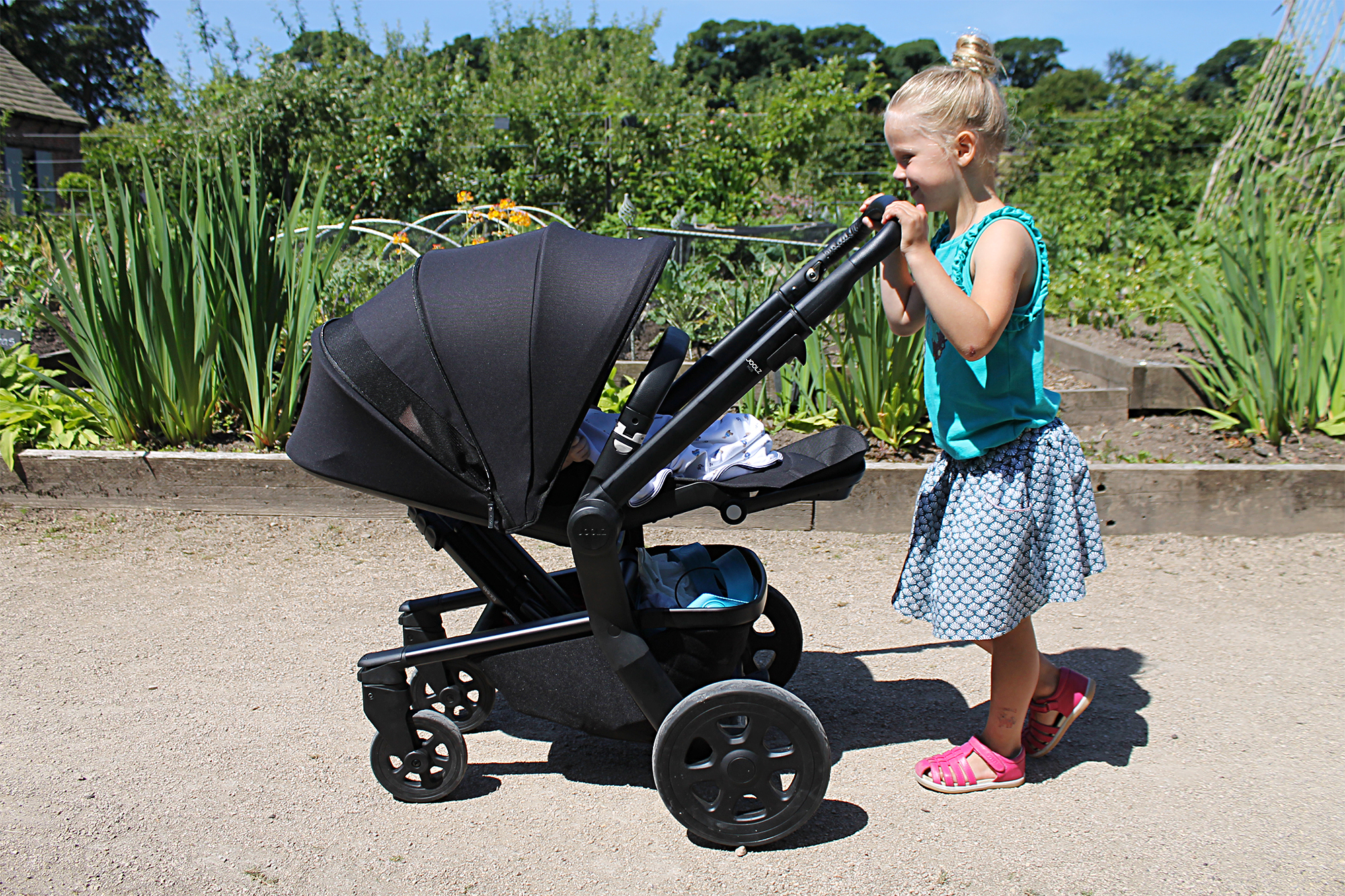 Bugaboo Cameleon 3 Oder Joolz Why We Are Cruising Around In The New Joolz Hub Lets Talk