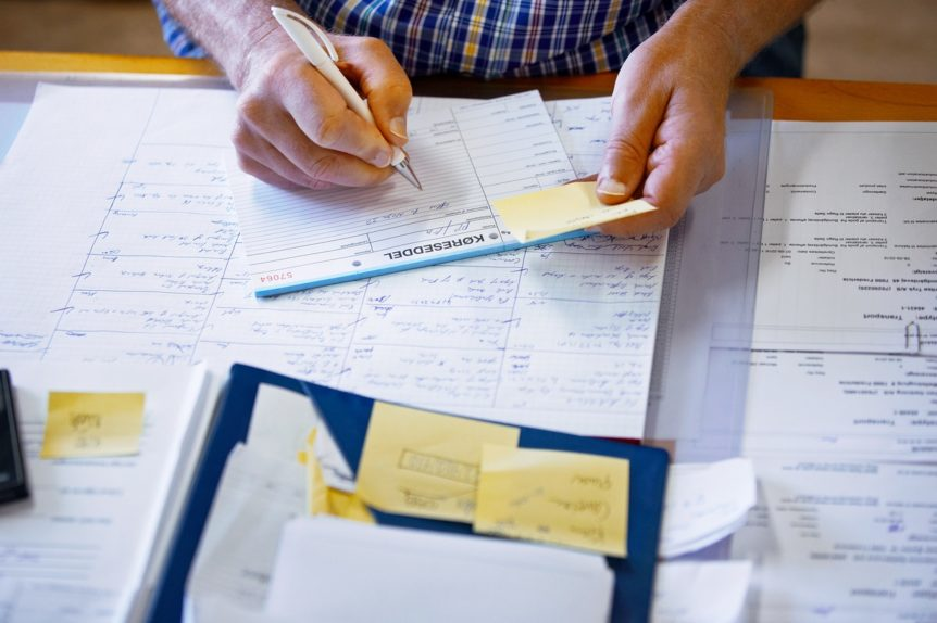 THE USE OF QUICKBOOKS INVOICE PRINTING AND MAIL SERVICES