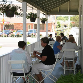 Outside Dining at Lettie's in Hockessin