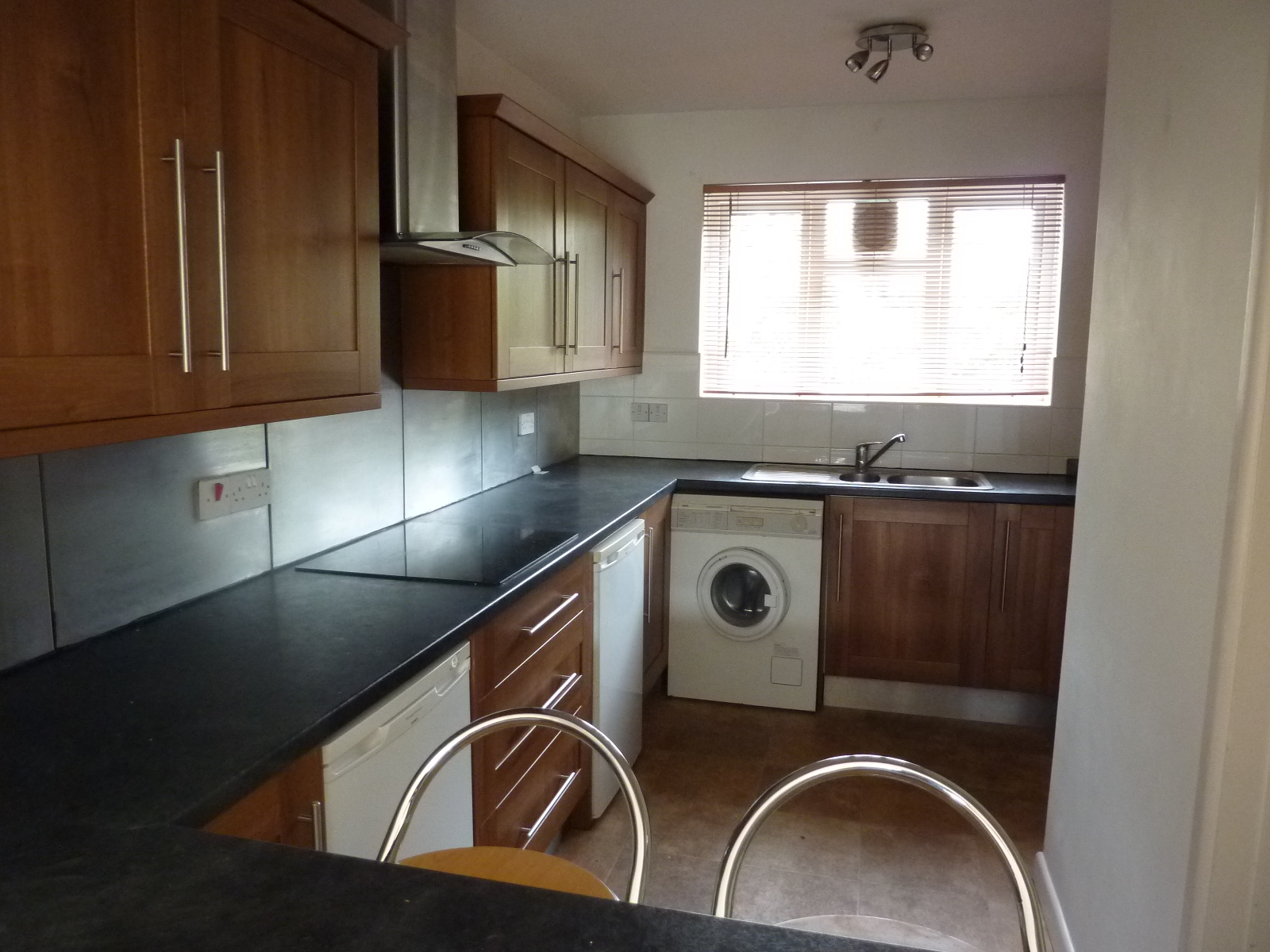 2 Bed Flat Bournemouth 2 Bed Flat To Rent Bournemouth Road Poole Bh14 0ex