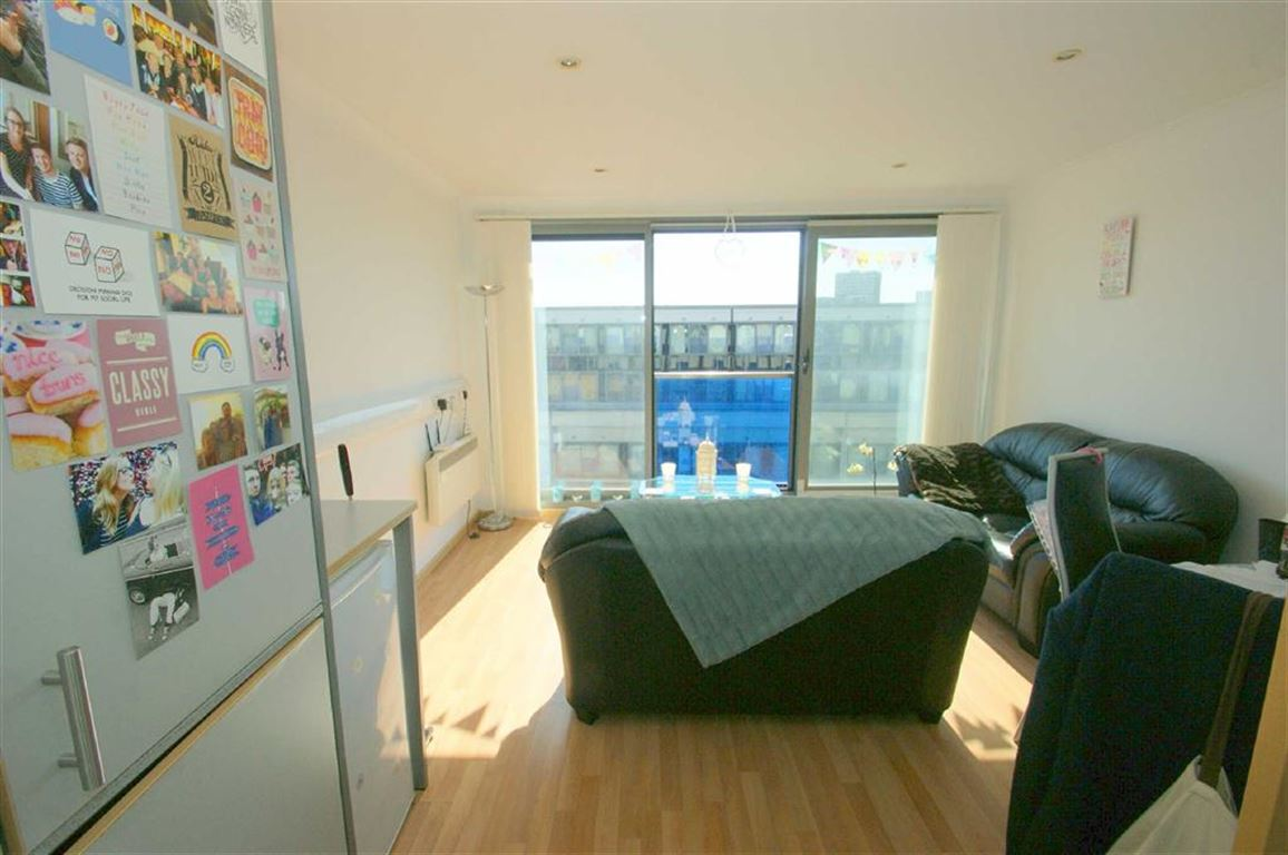 One Bed Flat Leeds Letting Links Flat To Rent In Citispace Leeds United Kingdom