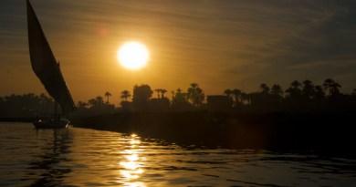 felucca-nile-river-sail-boat-egypt-4.jpg