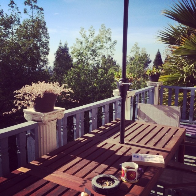 The balcony of my new home (for the next 3 months if not more) #oaklandhills #home #tea #lifeisgood  #ca