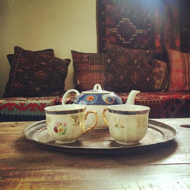 #pinolehome #teatime #boxesandpoets