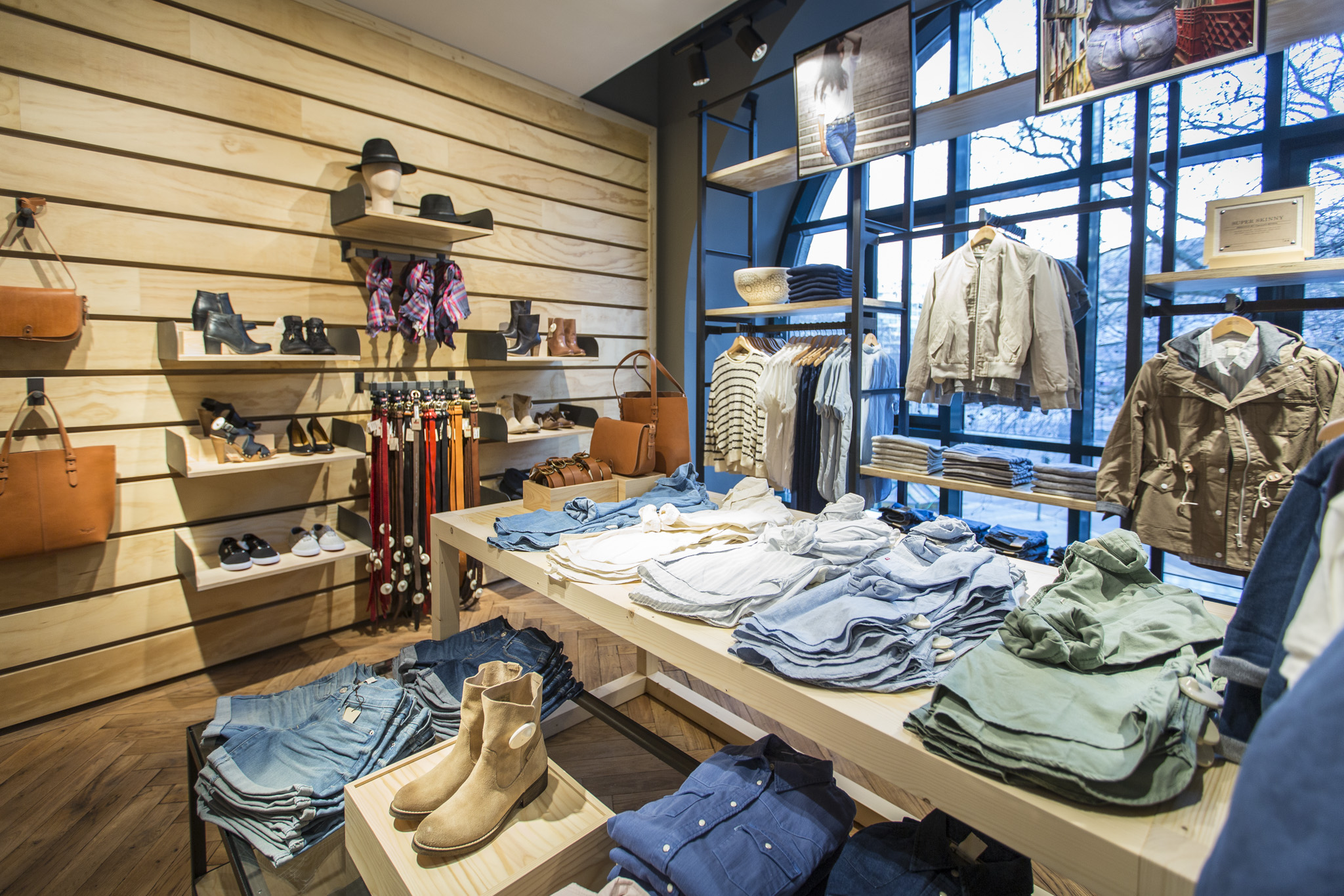 Levis Shop Step Inside The Renovated Levi's Berlin Store : Levi ...