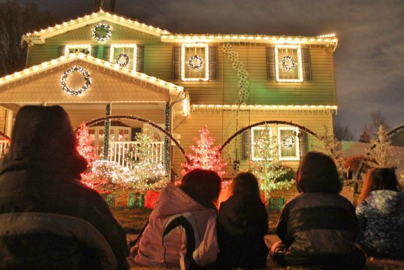 Elderberry Christmas Display To Be Switched On Saturday Evening
