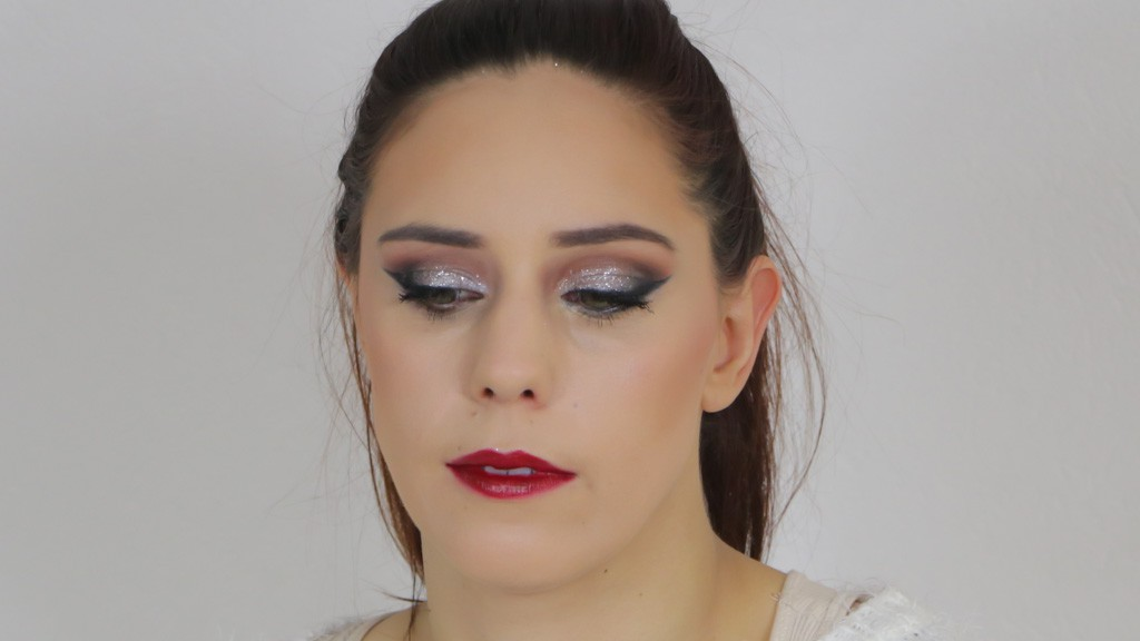 maquillage-de-fetes-monday-shadow-challenge-paillettes-argent-cloute-6
