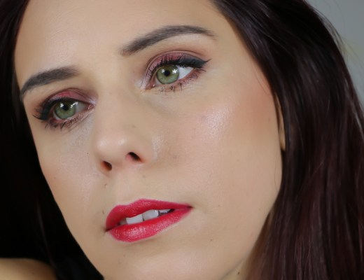 tuto-maquillage-nouvel-an-paillettes-rouges-2