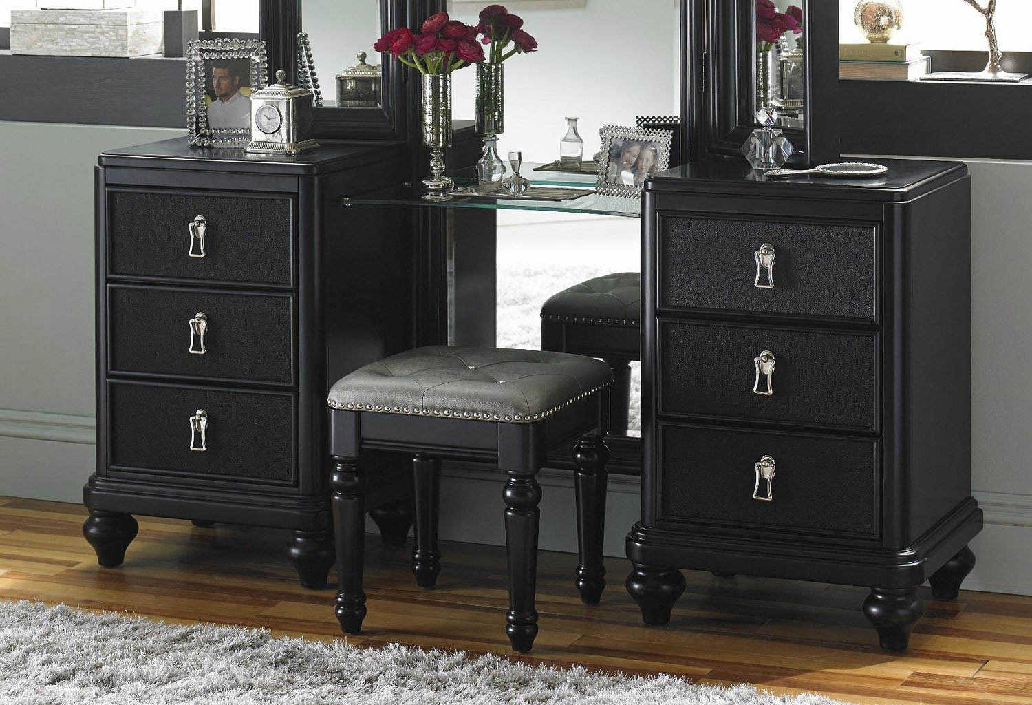 Bedroom Set With Vanity Diva Midnight Vanity Dresser W Stool Bedroom Vanities