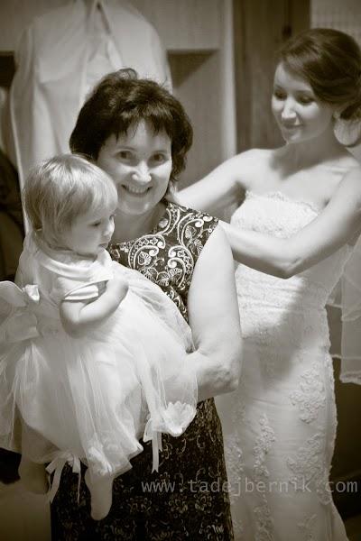 porocni-fotograf-wedding-photographer-ljubljana-poroka-fotografiranje-poroke-bled-slovenia- hochzeitsreportage-hochzeitsfotograf-hochzeitsfotos-hochzeit  (24).jpg