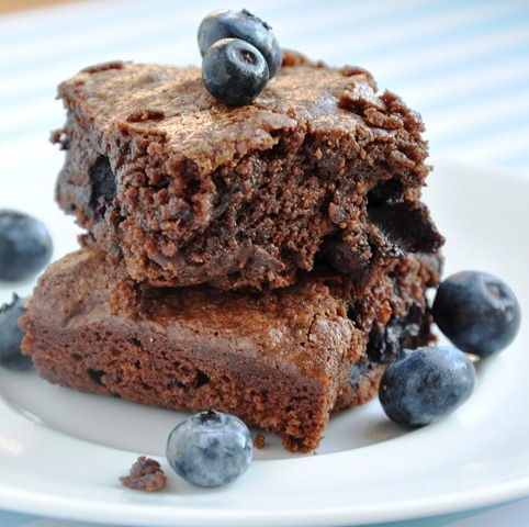 blueberry brownies 044