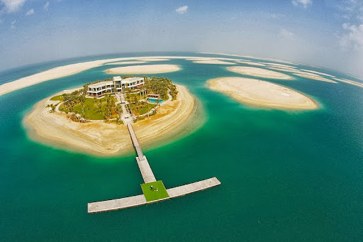 "Dubai's Enormous ""The World"" Artificial Archipelago 