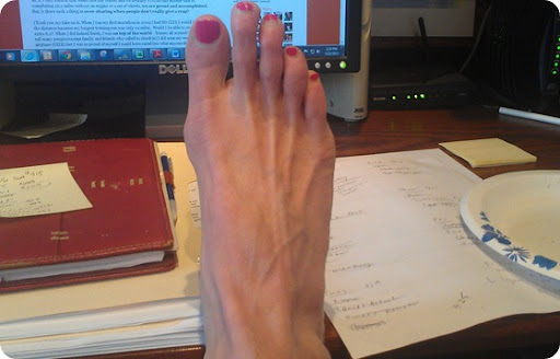 reason for numb toes extremities like toes can go numb for a variety ...