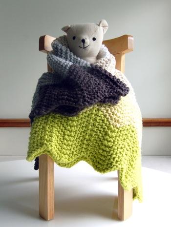 Chevron blanket bear425