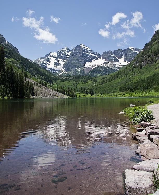 Maroon Lake and Maroon Bells Mountain Range