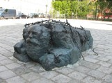 Statue Symbolising Jewish Oppression - Vienna-2.JPG