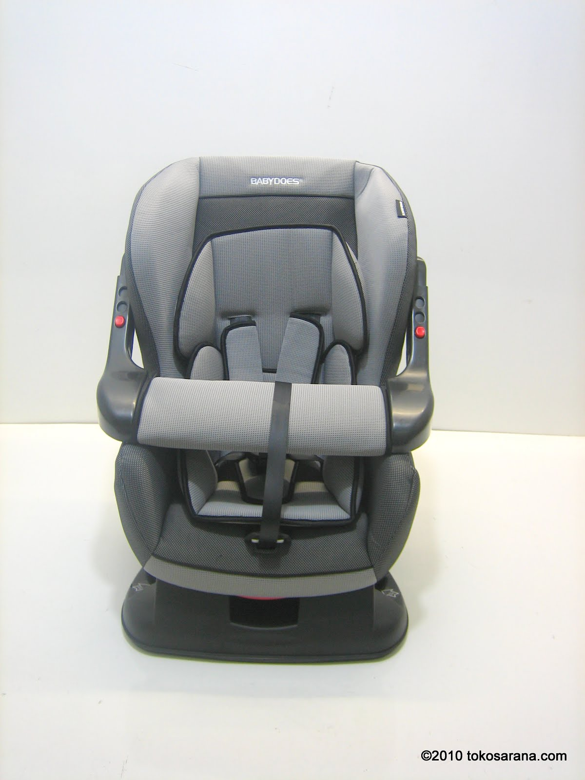 Rear Facing Car Seat Model 3 Tokomagenta A Showcase Of Products Baby Car Seat
